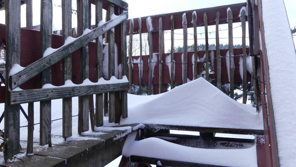 Terrasse du gîte enneigée